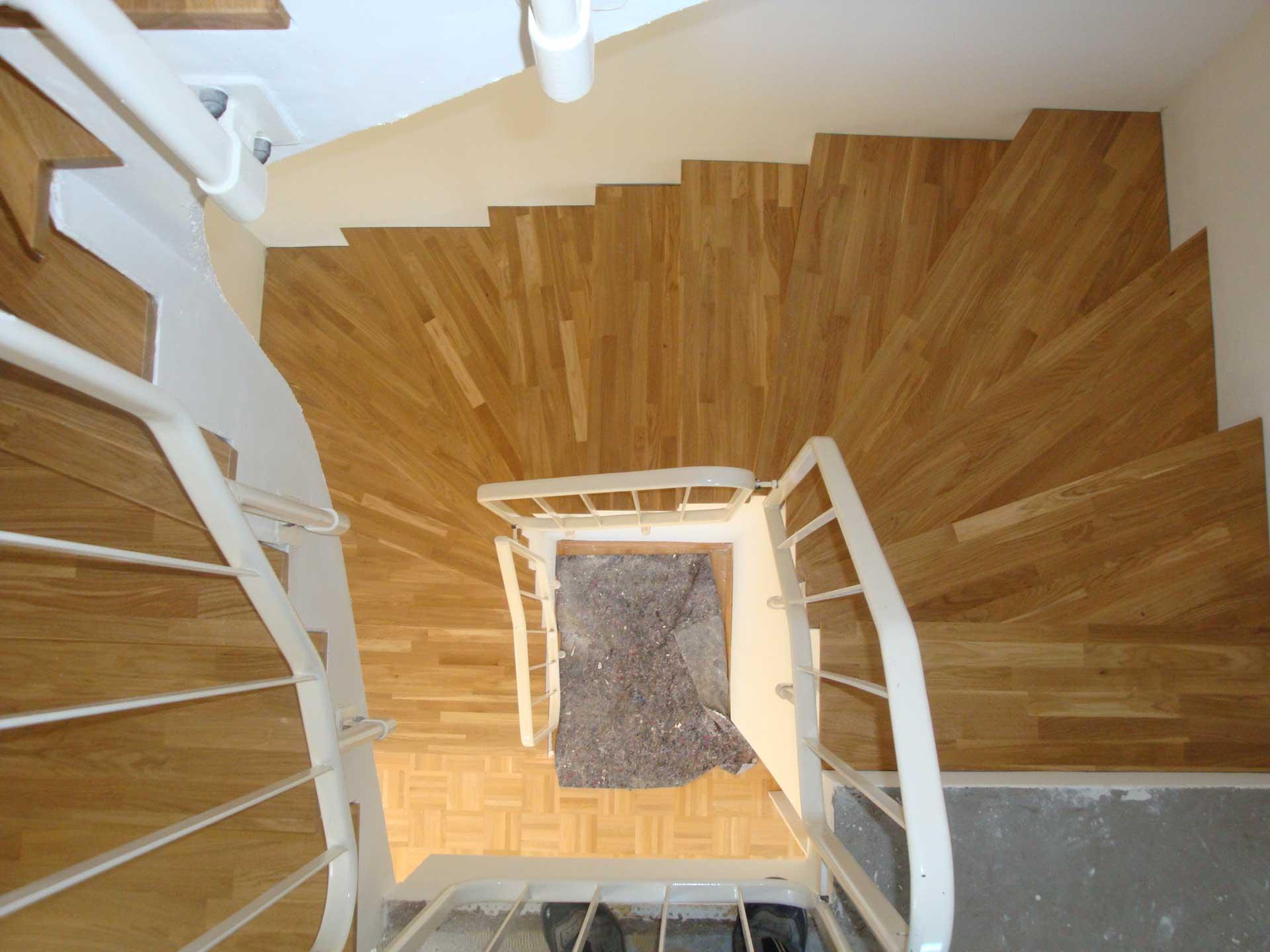 Massivholz Treppenstufen aus Eiche Leimholz